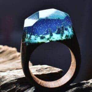 Bague en bois bleue clair