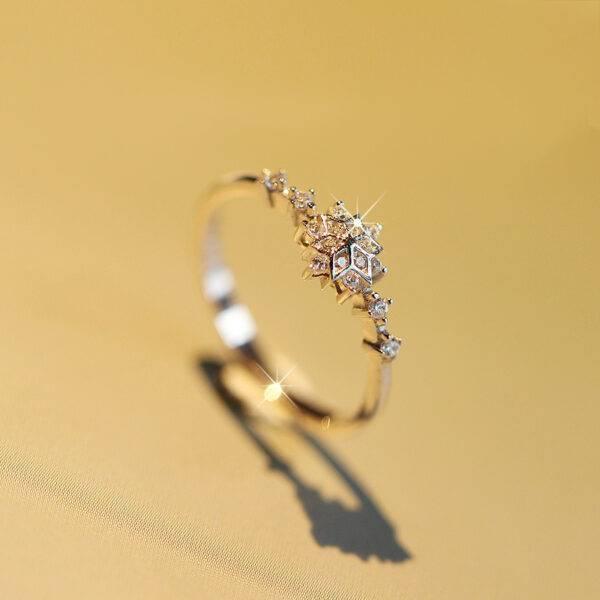Bague fleur or blanc et diamants