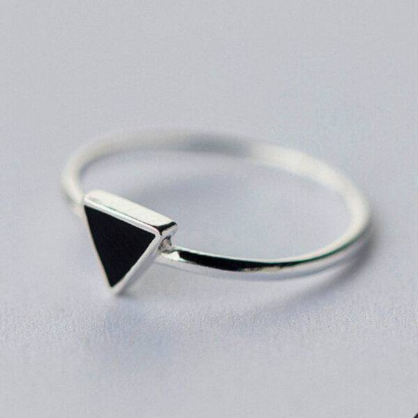 bague-triangle